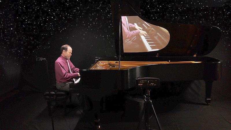 Moonlight Sonata Online-Concert with Frederick Moyer