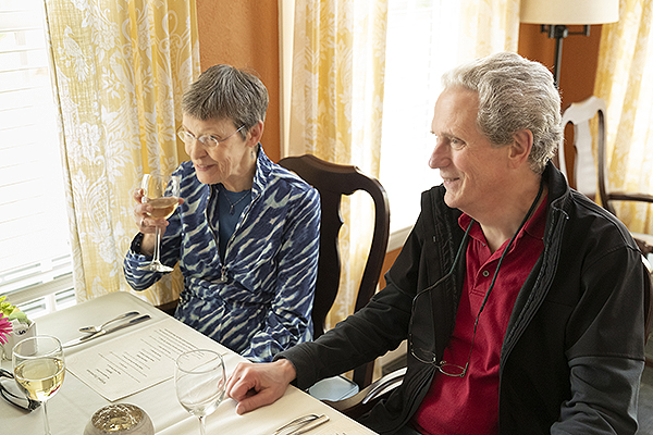 OceanView residents dining.